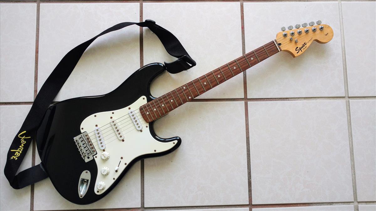 Guitarra Eléctrica Fender de Hector Rios