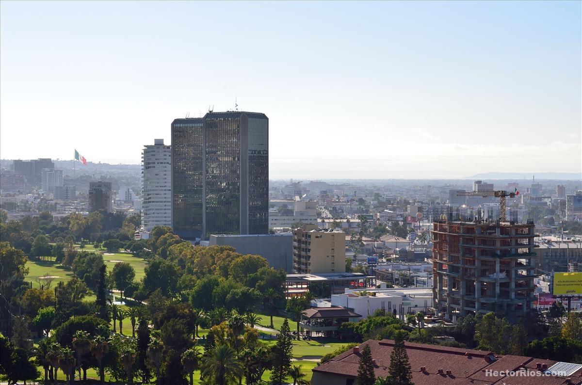 Panorámica de Tijuana con las Torres Gemelas de Aguacaliente